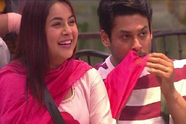 Bigg Boss 14 Contestant Sara Gurpal Says, Sidharth Is Everyone's Favorite In Panjab, Sidharth Shukla Blushes In Response