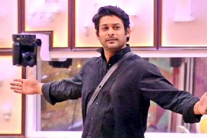 Netizens Laud Sidharth Shukla For Taking On Hina Khan And Gauhar Khan Single-Handedly, Trend #LoneWarriorSidharthShukla To Show Support