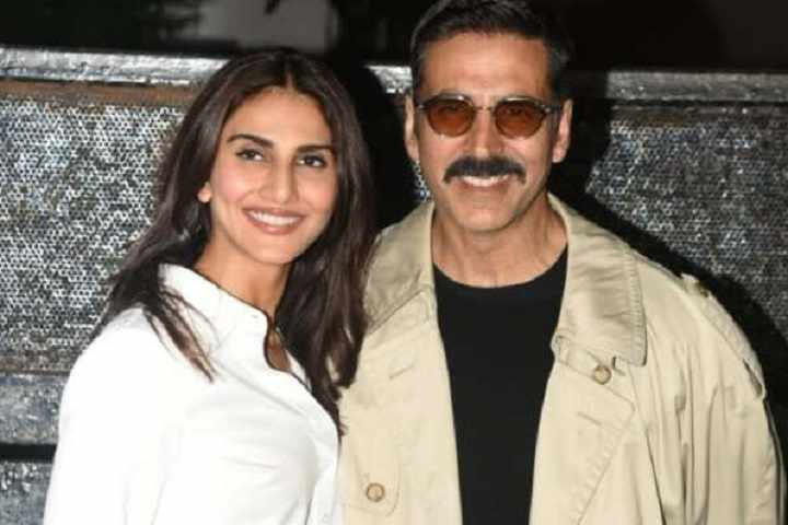 Akshay Kumar Is a Superstar In Every Possible Way: Says Bell-Bottom Co-Star Vaani Kapoor