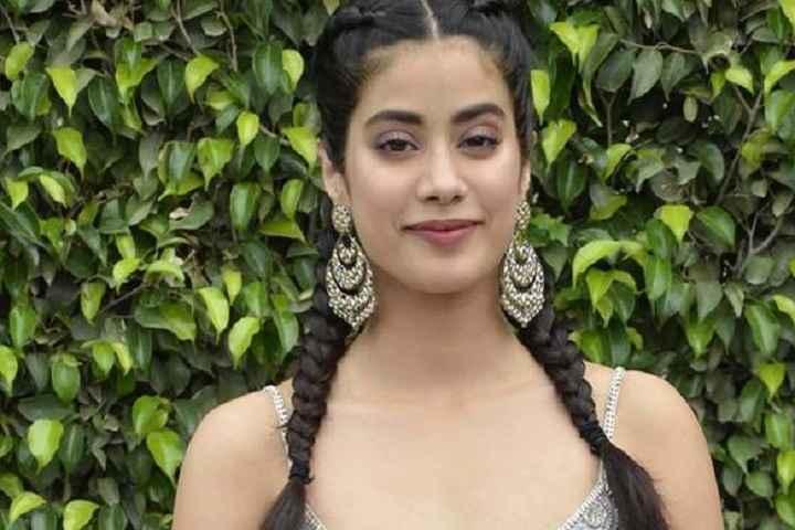 Janhvi Kapoor's Hindi Remake Of Malayalam Film 'Helen', Titled 'Mili'; Shoot Begins