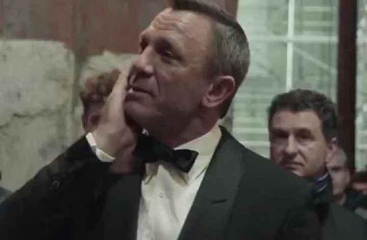 Daniel Craig Gives A Tearful Farewell Speech After His Last James Bond Movie 'No Time To Die' Wrapped Filming