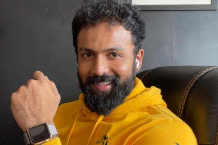 Kannada Actor Arjun Gowda Turns Ambulance Driver To Help Covid-19 Patients