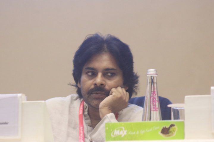 Pawan Kalyan to donate 2 crores to govt relief fund amid COVID-19 pandemic