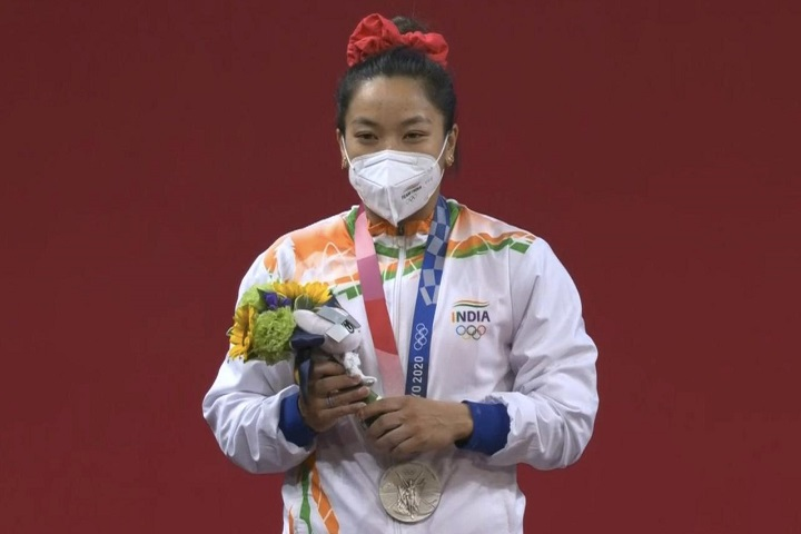 Tokyo 2020: PM Narendra Modi, Sachin Tendulkar, Mahesh Babu, Pranitha Subhash, And Others Congratulate Mirabai Chanu On Winning Silver Medal For India In Weightlifting