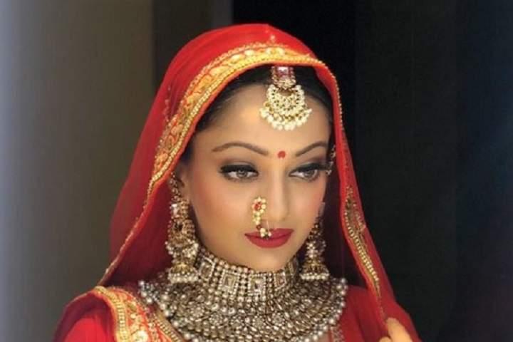 Aishwarya Rai's lookalike Manasi Naik wows social media