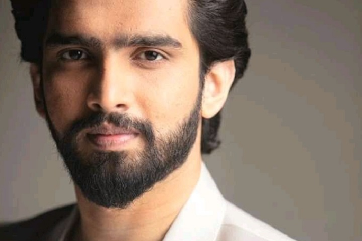Singer-Composer Amaal Mallik Engages In Twitter Battle With ...