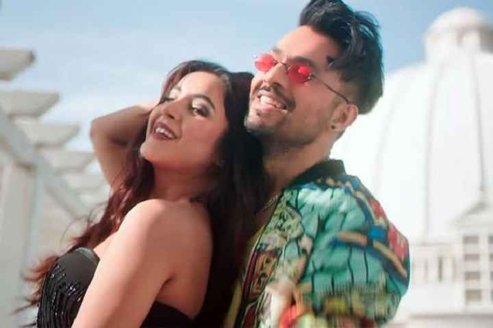 Shehnaaz Gill Featuring 'Kurta Pajama' Music Video Hits A Wh...