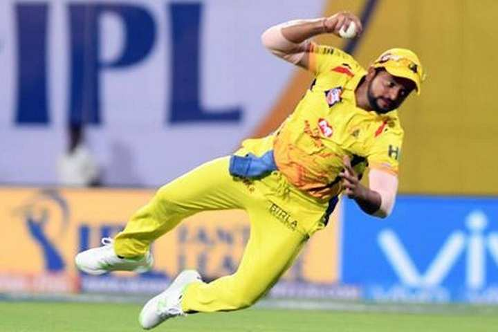 Top 5 fielders with the most number of catches in the IPL history
