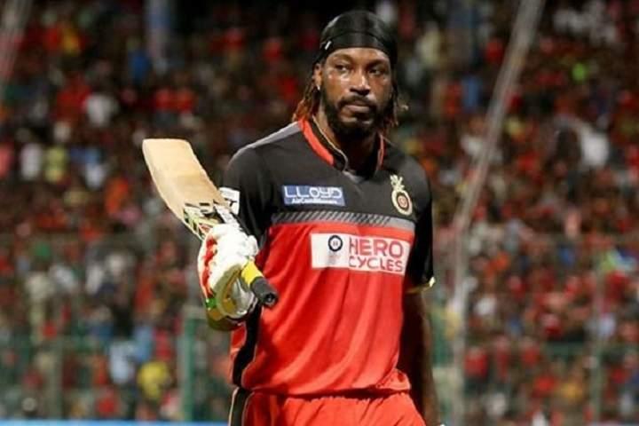 Top 10 Batsmen With Most Runs In T20s