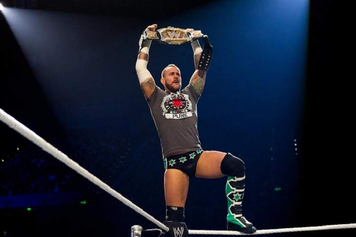 Top 10 Longest Reigning WWE Champions