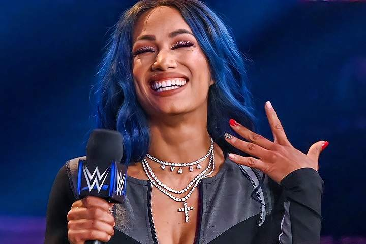 Video: Sasha Banks Returns To WWE SmackDown