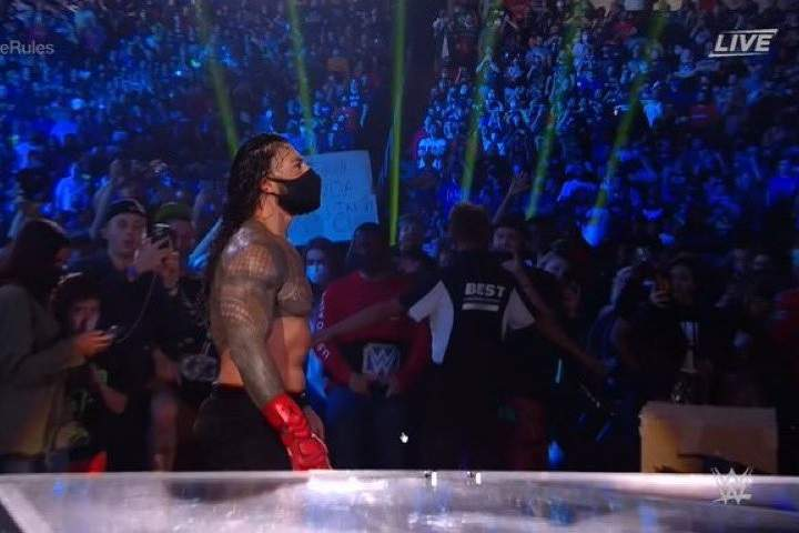 Video: Roman Reigns Puts On Mask To Fight In The Crowd At Extreme Rules
