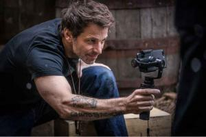 DC's Justice League Director Zack Snyder Names His Favorite ...