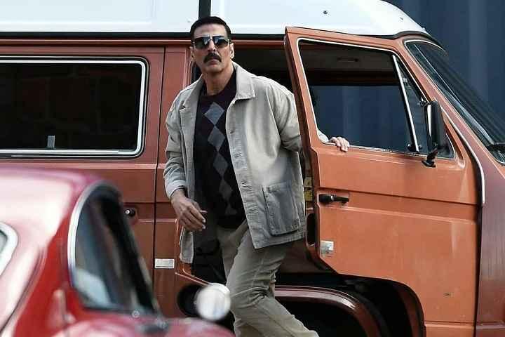 Check Out Akshay Kumar's Retro Look From Spy-Thriller Movie, Bell Bottom